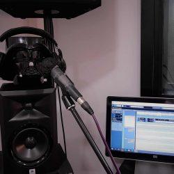Jasta Darth Vader sigue las medidas de Seguridad en la escuela de canto Albert's Voices